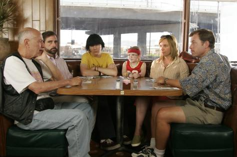 Little Miss Sunshine - Family gathered around a dining table