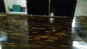 Contoh pemasangan lantai kayu sonokeling