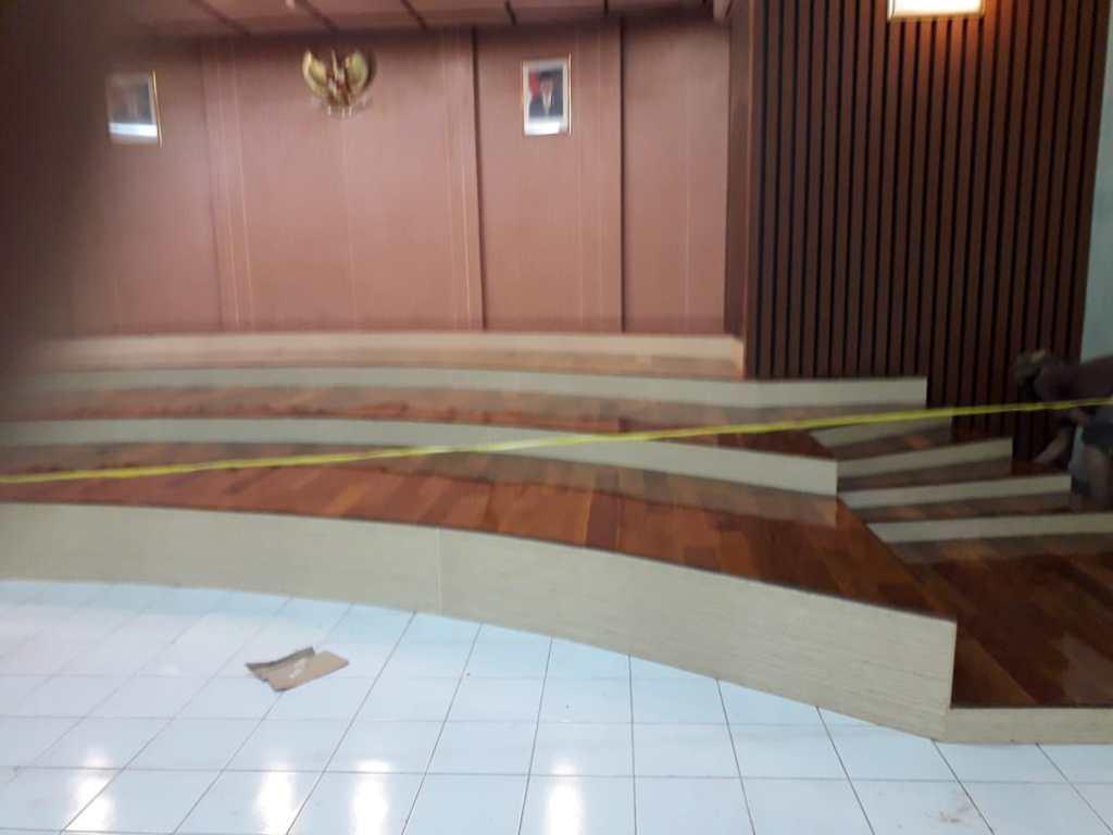 Pemasangan lantai kayu Direktorat ajudan Bandung 2