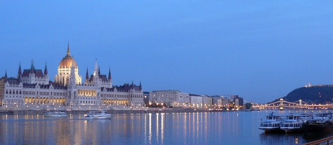 Poker in Hungary - Budapest River Danube