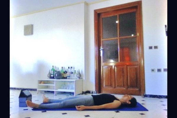 Savasana ou posture du cadavre, posture en yoga nidra