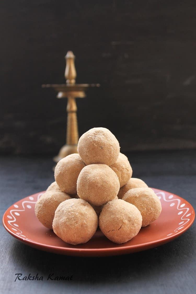 Wheat Flour Ladoos | Pittyache Ladoo