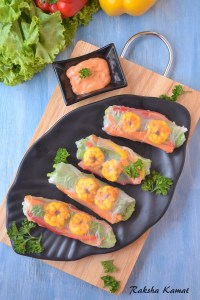 Rice paper rolls with sriracha dip