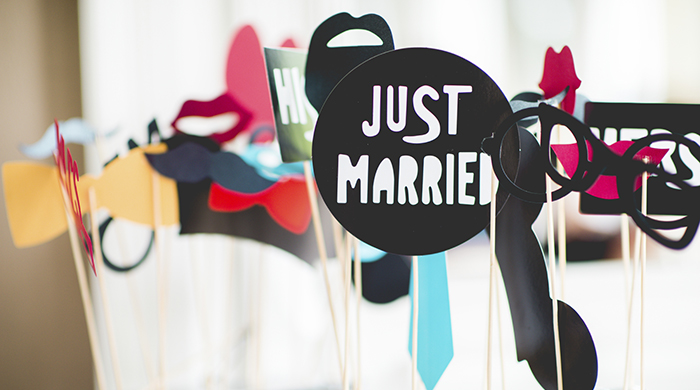 DIY wedding favor cut-out label photo booth props