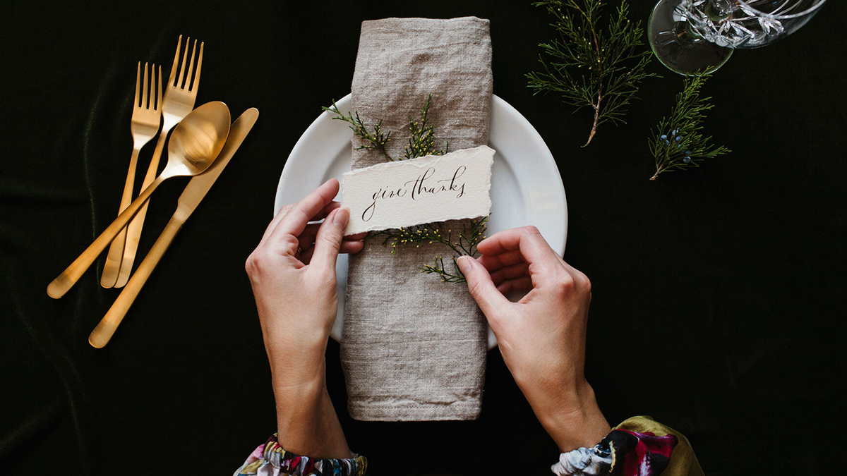 Give Thanks table setting