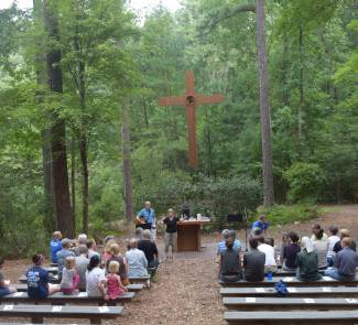 Worship service at the 2015 Intergenerational Retreat