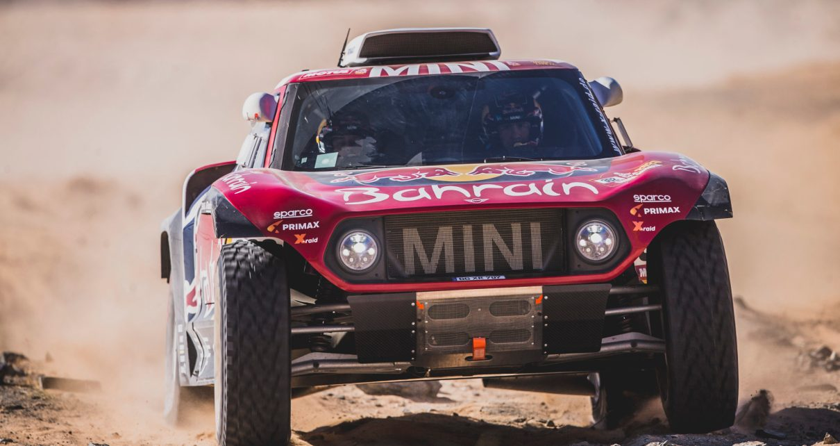 Stephane Peterhansel (FRA) et Paulo Fiuza (PRT) of Bahrain JCW X-Raid Mini Team races - Dakar 2020