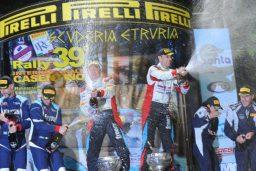 champagne podio rally casentino