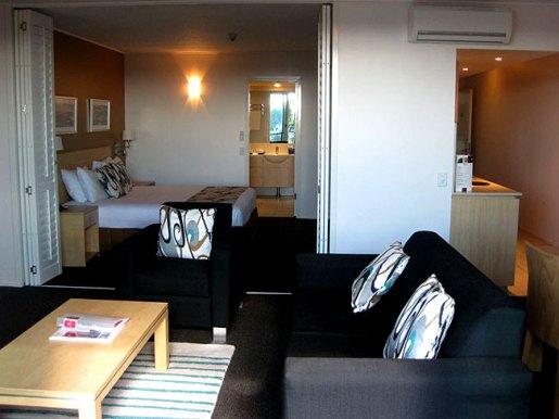 Poolside Suite Lounge