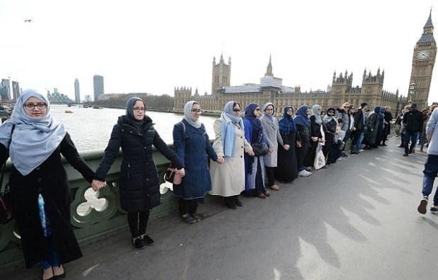 London-Frau.Demo
