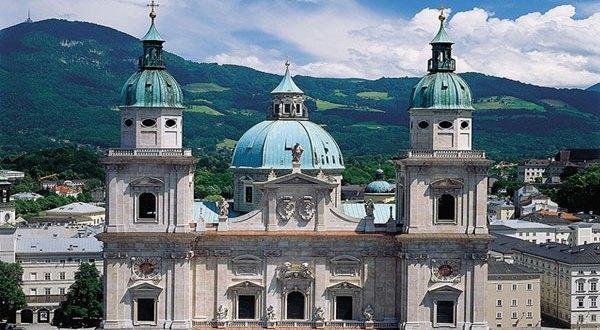 أقدم كاتدرائية في سالزبورج تفرض رسم دخول للزيارة