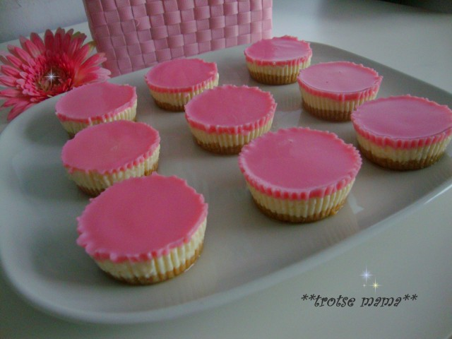Mini roze cheesecakes