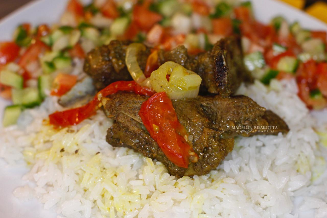 Lamstajine arabische rijst en salade