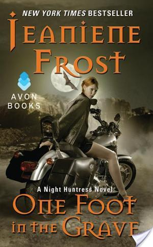 {Book Review} One Foot in the Grave by Jeaniene Frost