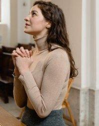An Effective Devoted Disciple Of Jesus prays