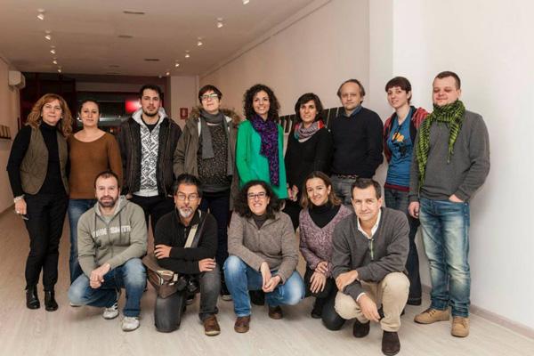Los alumnos del taller posamos junto a Sofía Moro