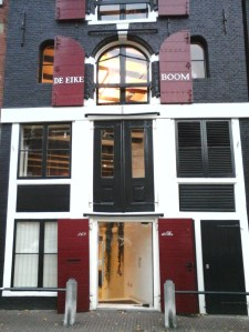 Prinsengracht 168, pakhuis De Eikeboom by Hannah Muysken (Het Aardappeloproer van 1917)