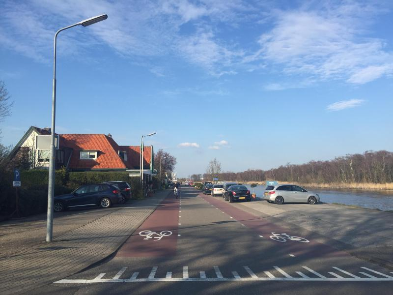 Aalmeerderdijk, on the mouth of Ten Pol, where witnesses of the night of the fire described detainees running past and hiding from authorities 03/04/2016 door Octavia Aronne (Unwanted souls, unwanted thoughts: Memorialization, Change, and Meaning of the Schiphol-Oost Detention Centre Fire)