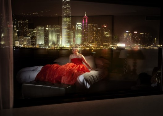 "David Drebin, ""Dreams of Hong Kong"", 2009. Courtesy of CAMERA WORK, Berlin© David Drebin,2009年作品《香港之梦》(Dreams of Hong Kong),柏林CAMERA WORK画廊参展作品"