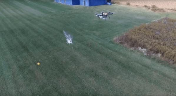 Drone cattura drone