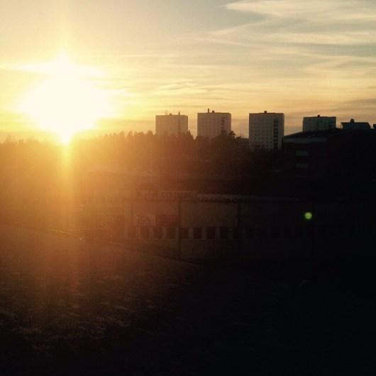 Solnedgång över orten