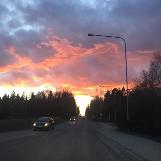 Wednesday evening, skies be burnin'