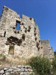 Les murs vus depuis l'enceinte extérieure
