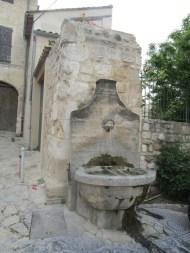 22 Fontaine de la rue Raspail