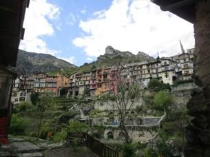vue sur les toits depuis le vieux village