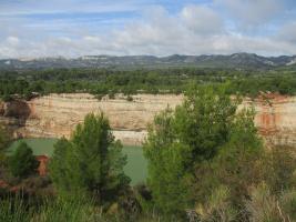 Maussane, le canal de la vallée des Baux, la carrière du Mas Rouge