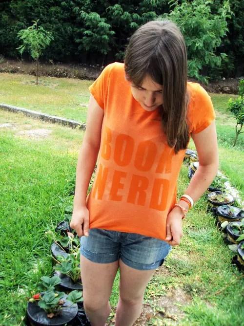 Book Nerd – Como tingir uma t-shirt antiga com lixívia