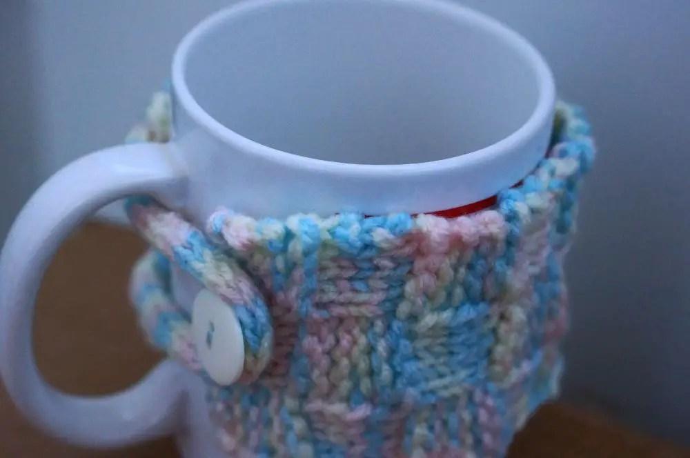 """""""Mug Cozy"""" feito em tricot"""