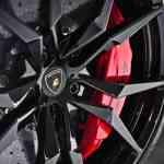 lamborghini-aventador-wheel-rim_motortrend