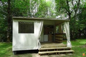 camping le clos des peupliers TITHOME