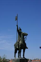 statue de Vimara Peres, le héros de Porto qui expulsa les maures en 818)