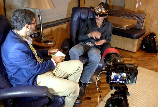 Nate Ryan interviews Richard Petty for an USA Today video.