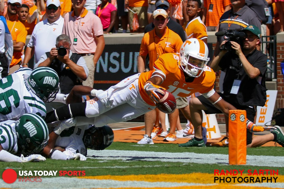Sep 17, 2016; Knoxville, TN, USA; Tennessee Volunteers wide receiver Jauan Jennings (15) dives for garage against the Ohio Bobcats during the first half at Neyland Stadium. Mandatory Credit: Randy Sartin-USA TODAY Sports