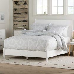 Tempat Tidur Minimalis Parocela Dari Kayu