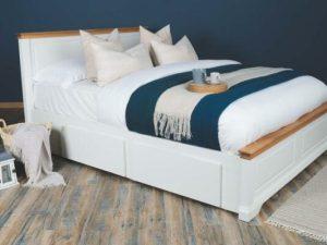 Tempat Tidur Kayu Jati Soft White King