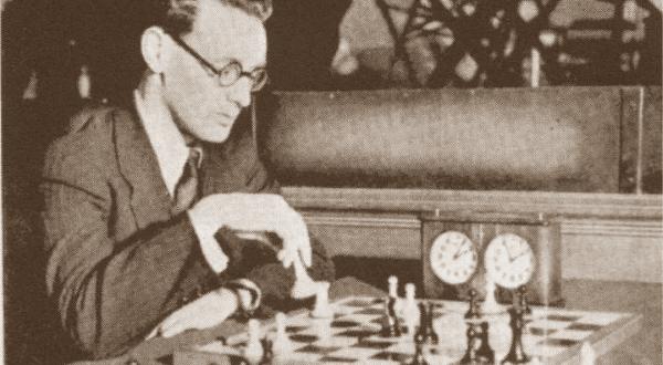 Mikhail Botvinnik entre os melhores jogadores de xadrez de todos os tempos