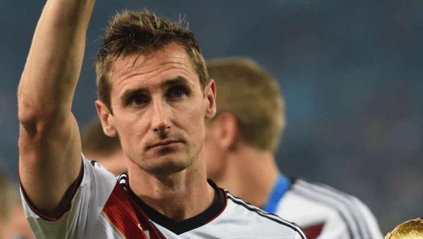 Miroslav Klose entre os melhores jogadores alemaes de todos os tempos