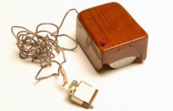 pertama-komputer-mouse