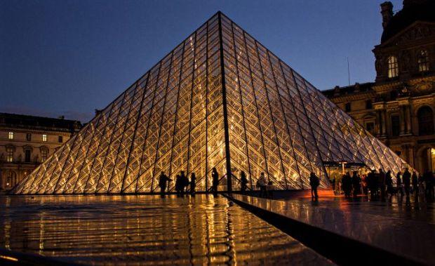 louvre-pyramid
