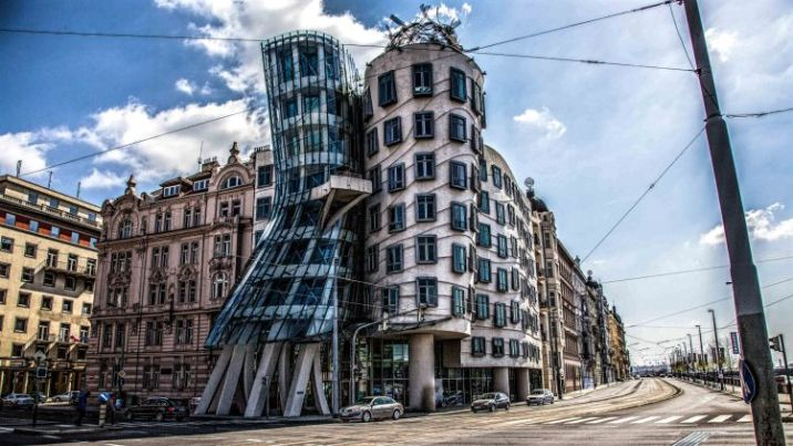 the-dancing-house
