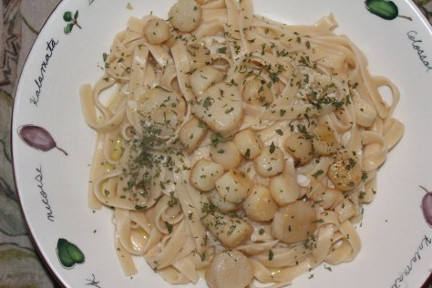 Easy Scallops and Fettuccine ala Scampi