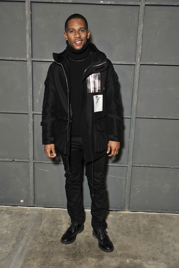 victor-cruz-givenchy-mens-fall-2016-show