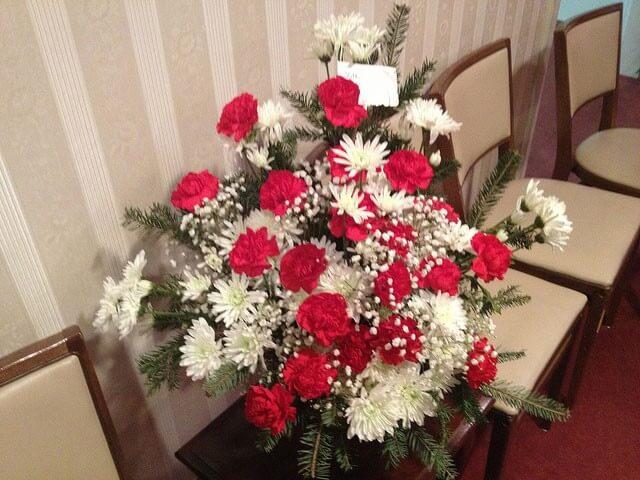 funeral-flowers-etiquette-4