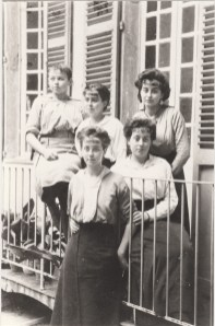 Marinette, Germaine, Marcelle, Angèle et dessous Germaine Abeille - Toulon Bd de Strasbourg en 1914 Collection Mireille Caire