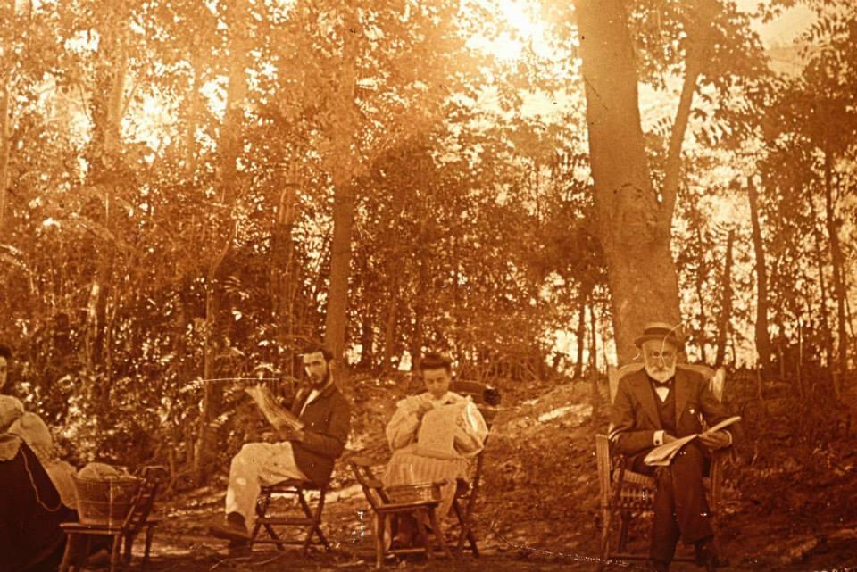 Henri, Amélie (Mme Emile Saint Rémy Pellissier) et Adolphe Caire Collection Bernard Caire