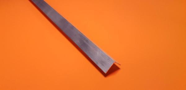 """Aluminium Angle 1"""" x 1"""" x 3.2mm"""